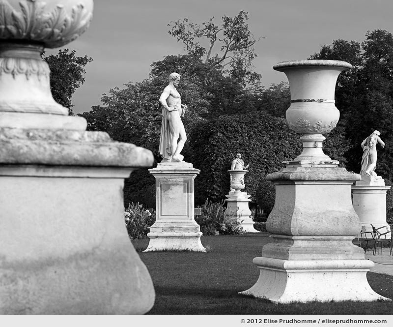 Echecs or Chess, Tuileries Garden, Paris, France, 2011 (part of the series Yours, Mine, Le Nôtre's) by Elise Prudhomme.