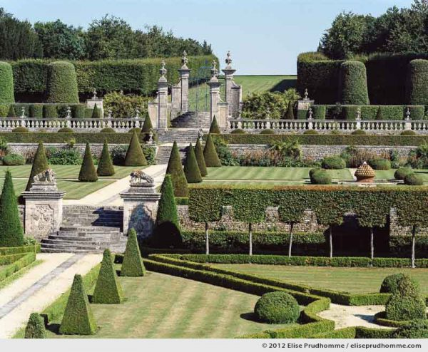 Château view of the formal gardens #3, Brecy Castle Gardens, Saint Gabriel Brécy, France, 2012 (series Notable Gardens of France) by Elise Prudhomme.