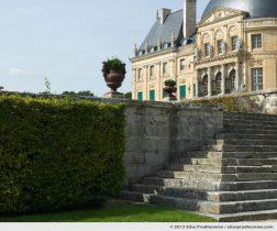 Stonework and château façade, Vaux-le-Vicomte Castle and Garden, Maincy, France. 2013 (series Yours, Mine, Le Nôtre's) by Elise Prudhomme.