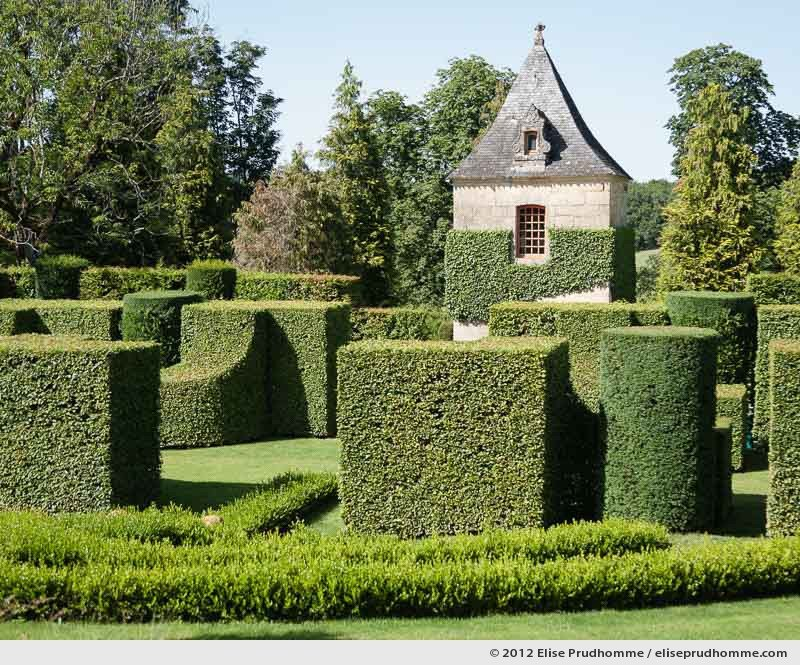 Topiary study #9, Les Sculptures Végétales, Eyrignac Gardens, Salignac-Eyvigues, France, 2012 (series Notable Gardens of France) by Elise Prudhomme.