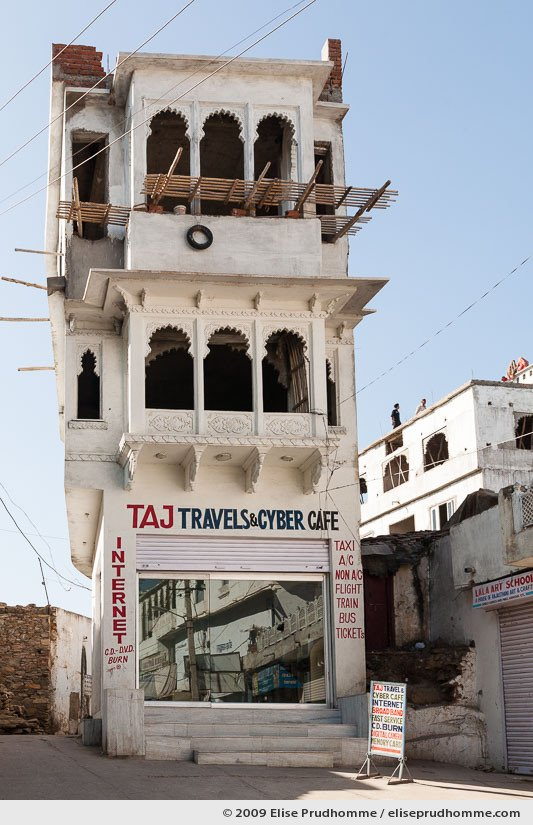 Building detail and renovation of Taj Travels & Cyber Cafe, Udaipur, Rajasthan, India, 2009 by Elise Prudhomme.