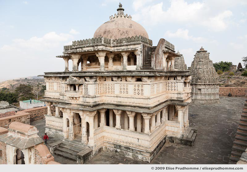 View on a Hindu temple from the fortified ramparts of Kumbalgarh Fort, Rajasthan, Northern India, 2009 by Elise Prudhomme.