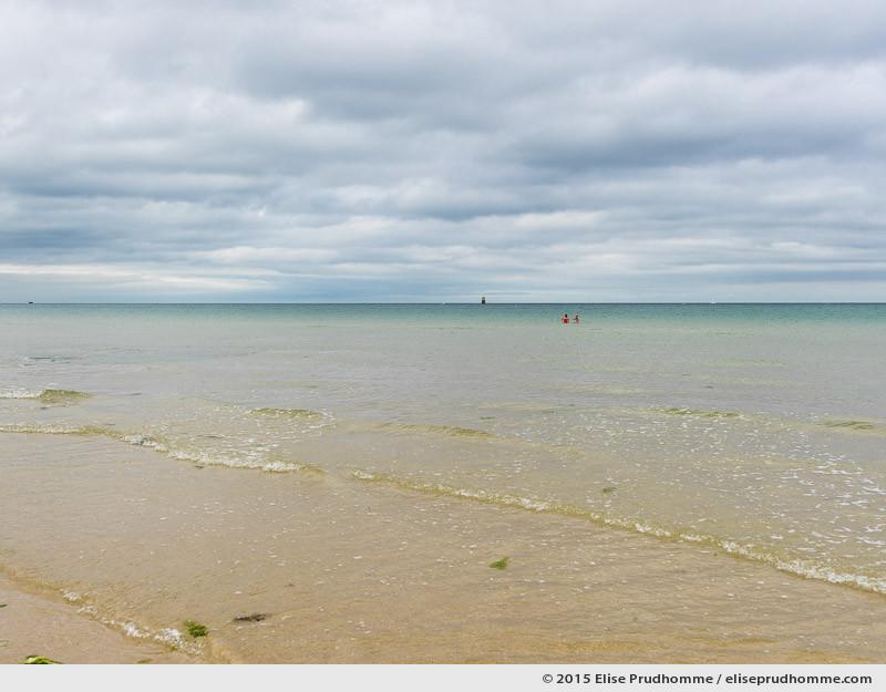 Waning tide at Jonville Beach, Pointe de Saire, Cotentin, Normandy, France. Marée basse à la plage de Jonville, Pointe de Saire, Cotentin, Normandie, France.