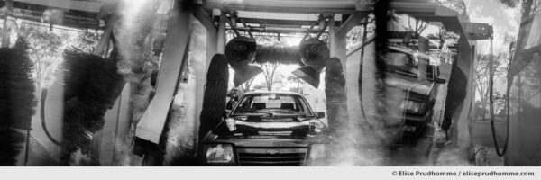 Black and white photograph of a carwash, Brasilia, Brasil.  Analog photography series entitled Lieux-dits by Elise Prudhomme.